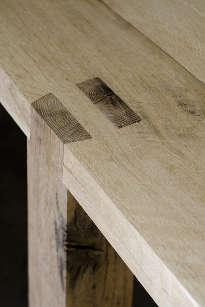 http://www.jamesmudge.com/files/gimgs/1_bench-table-join-detail-2.jpg