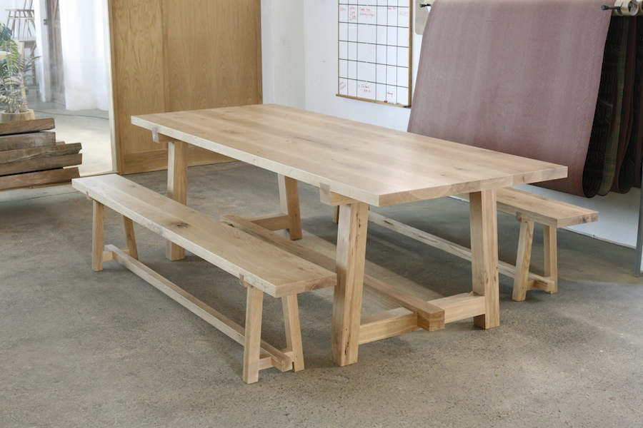 http://www.jamesmudge.com/files/gimgs/1_oak-table-28m.jpg