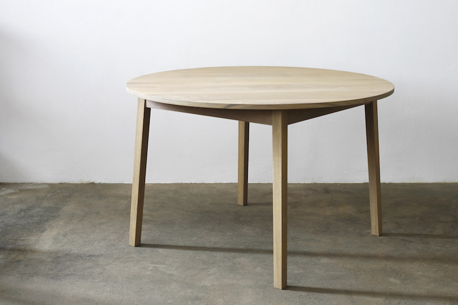 http://www.jamesmudge.com/files/gimgs/1_round-iroko-table-undressed.jpg