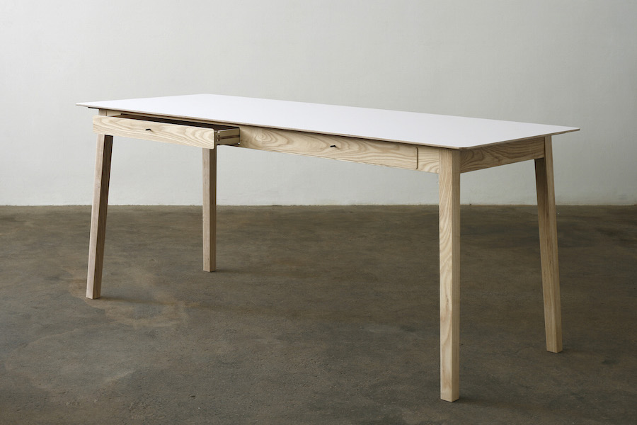 http://www.jamesmudge.com/files/gimgs/1_white-top-desk-with-2-drawers-open.jpg